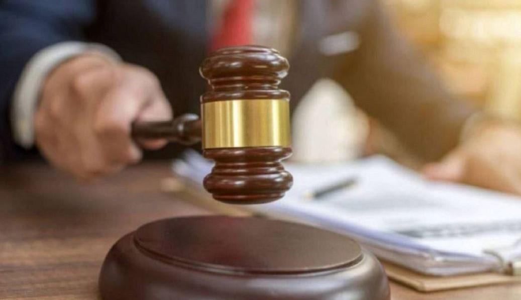 juez condenando Justicia